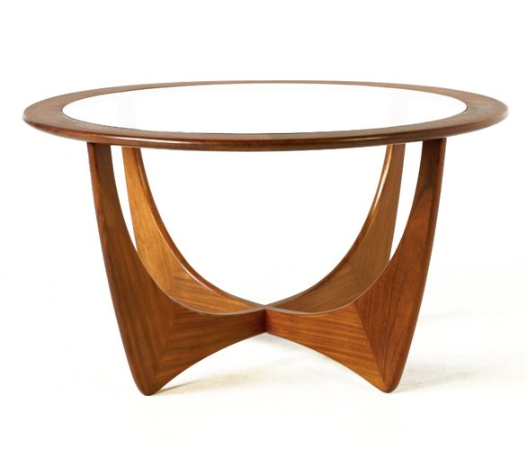 Merveilleux Round Astro Teak Table By Victor Wilkins For G Plan, 1960s