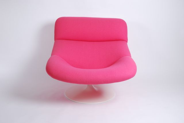 Vintage Pink F518 Lounge Swivel Chair by Geoffrey Harcourt for ...