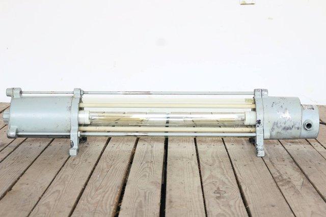 luminaire antid flagrant industriel variateur tactile de veb leuchtenbau wittenberg 1970s en. Black Bedroom Furniture Sets. Home Design Ideas
