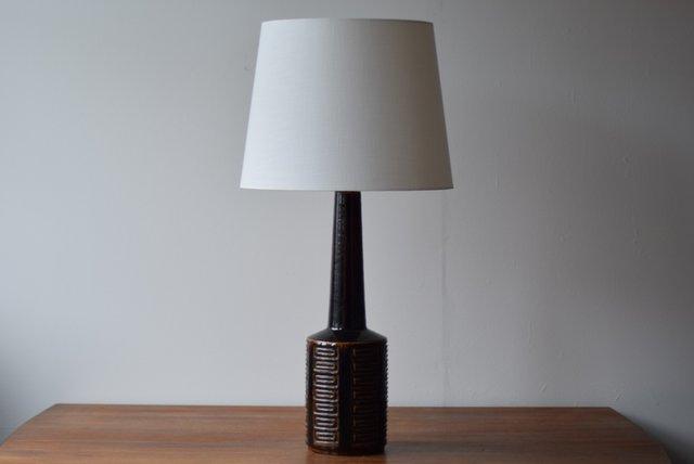 sehr hohe skandinavische tischlampe in braun von per linnemann schmidt f r palshus 1960er bei. Black Bedroom Furniture Sets. Home Design Ideas