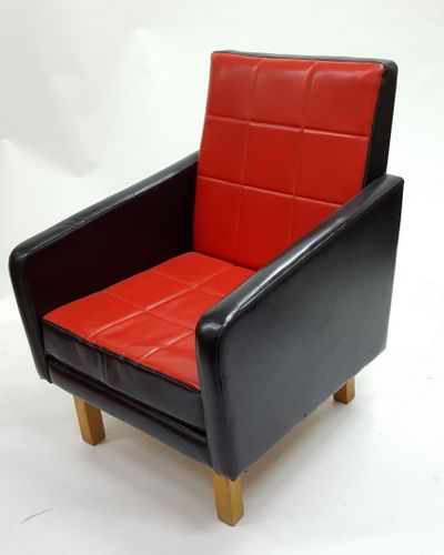 Ungarischer Sessel Aus Kunstleder In Schwarz Rot 1960er Bei