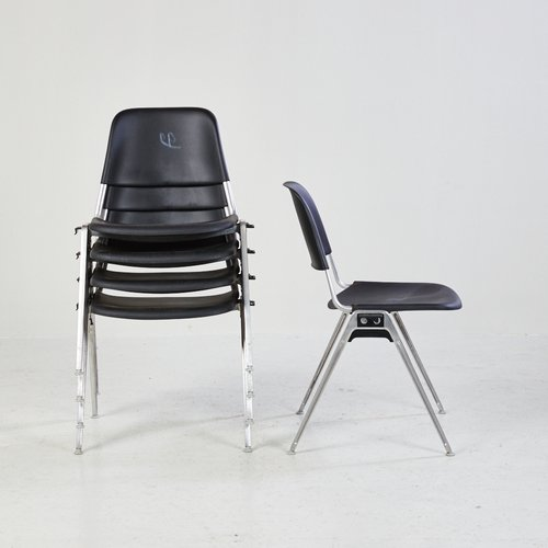 Chaise Empilable Modele 1601 Stackable Par Don Albinson Pour Knoll International 1960s En Vente Sur Pamono