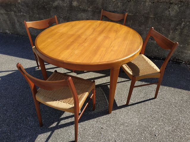 Scandinavian Teak Dining Table And Chairs S For Sale At Pamono - Teak table and 4 chairs
