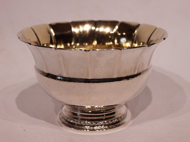Vintage Schale aus geprägtem Silber, 1920er