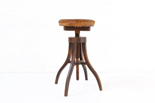 Sgabello regolabile antico in legno e pelle danimarca in vendita