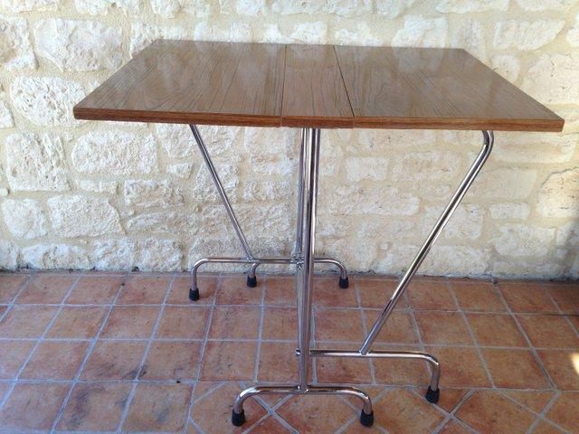 Vendita Tavoli Gambe Pieghevoli.Tavolo Pieghevole Mid Century In Formica Con Gambe Cromate In