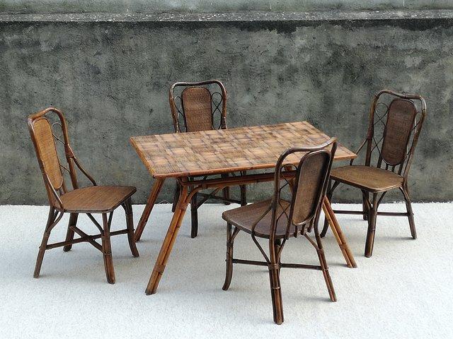 Tavolo da pranzo in vimini di Audoux & Minet & Chairs Set, anni '60, set di 5