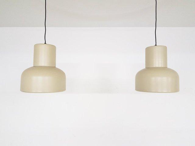Dänische pyramidenförmige Lampen aus weißem Metall von Arne