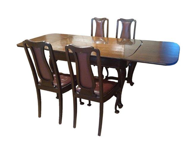 Tavolo Da Pranzo Antico Con Sedie In Legno Massiccio In Vendita Su Pamono