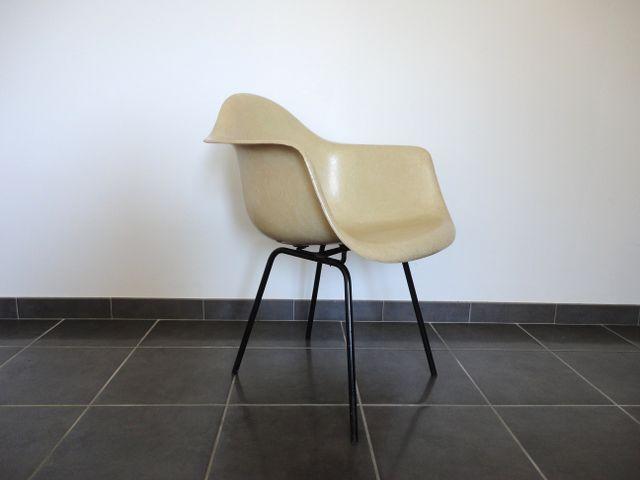 fauteuil en fibre de verre par charles ray eames pour herman miller 1950s en vente sur pamono. Black Bedroom Furniture Sets. Home Design Ideas