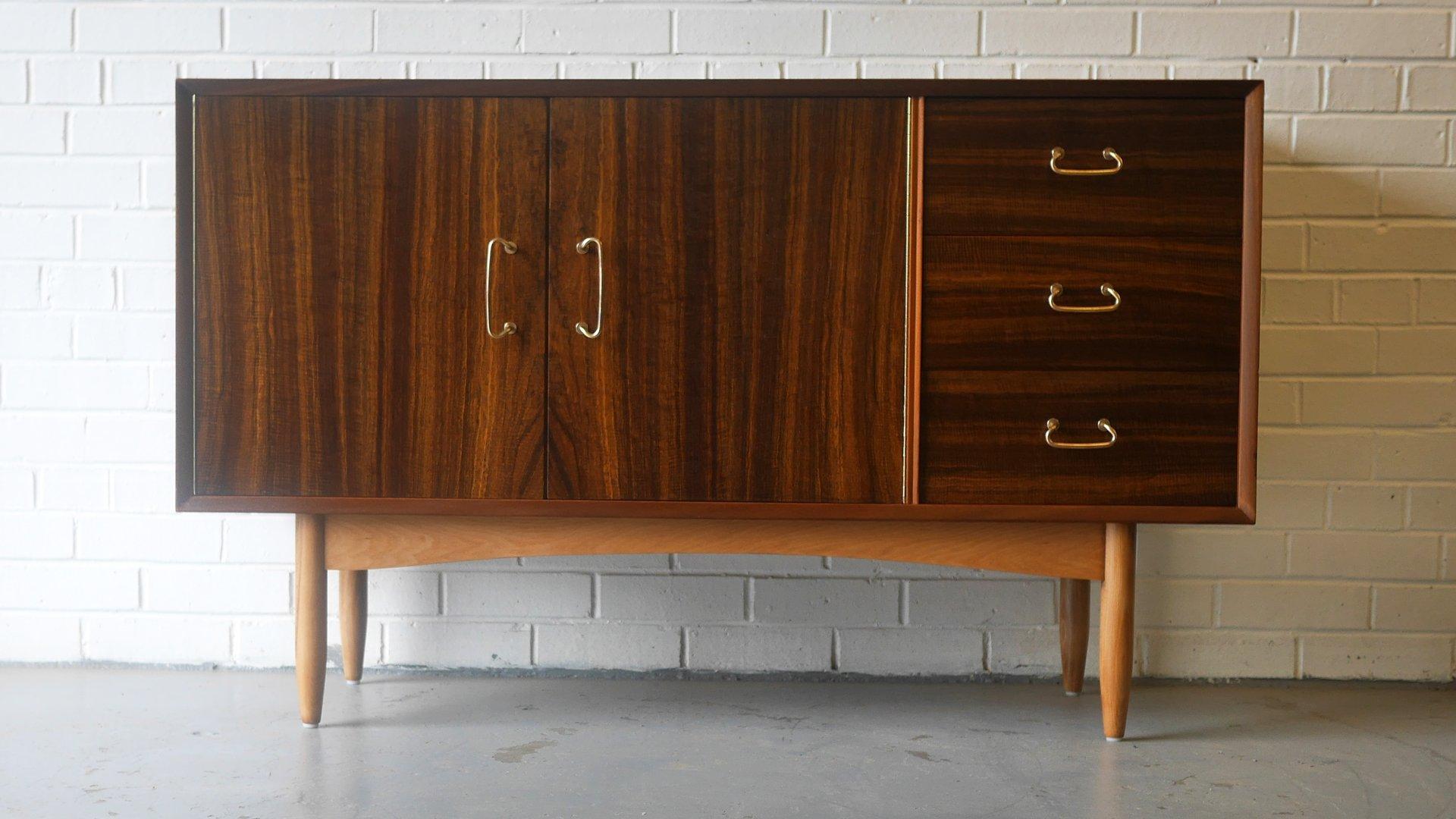 Sideboard aus Nussholz von Peter Hayward für Vanson, 1950er