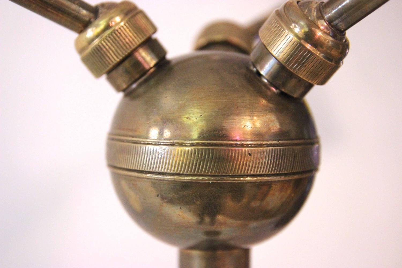 Italienische triennale stehlampe aus messing metall mit for Italienische leuchten