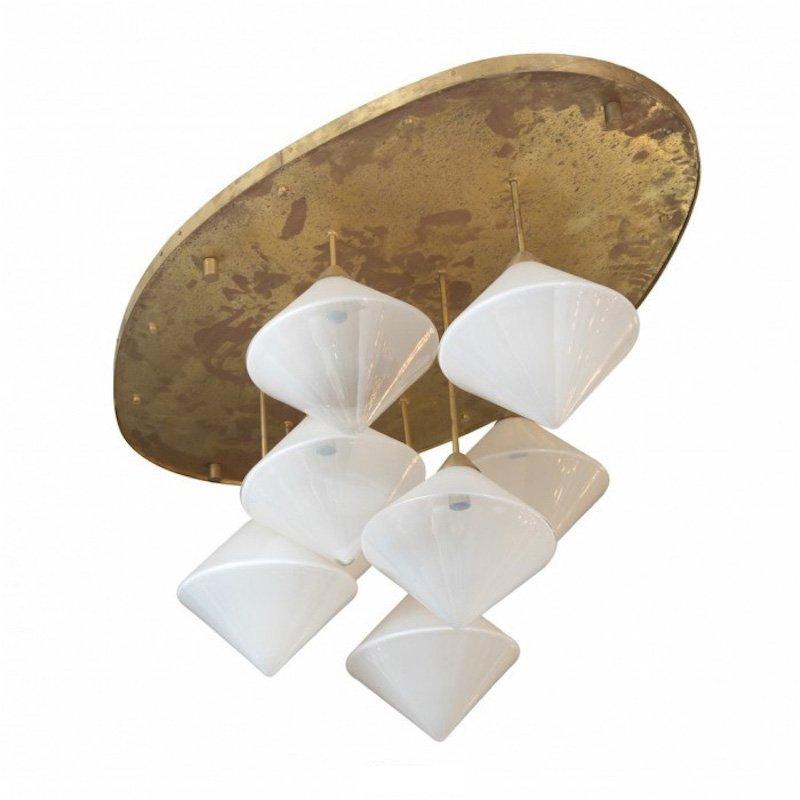 Italienische Deckenlampe mit 8 Leuchten aus Vergoldetem Messing & Opal...