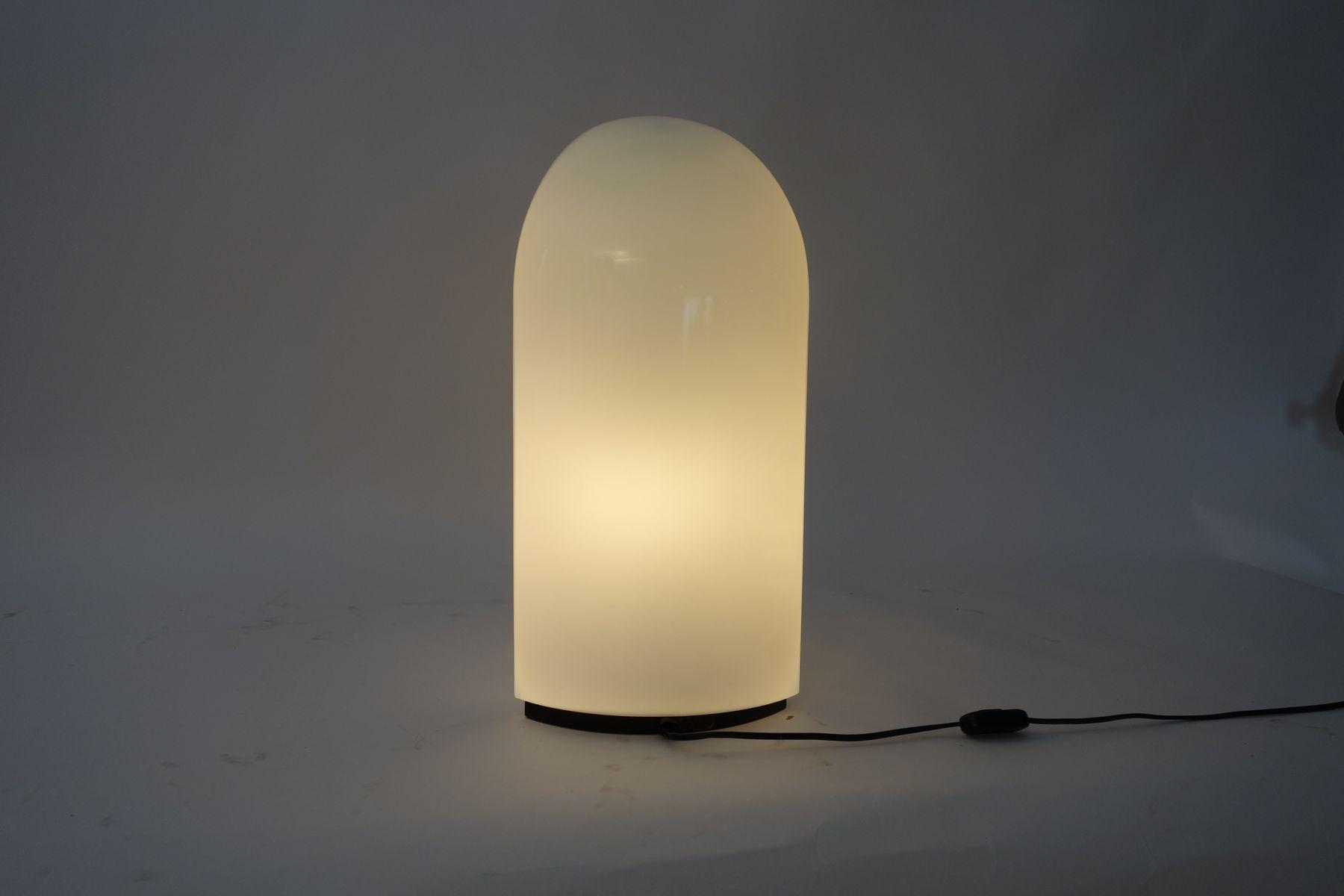 Lampada da tavolo tiki di kazuhide takahama per leucos for Arredamento tiki