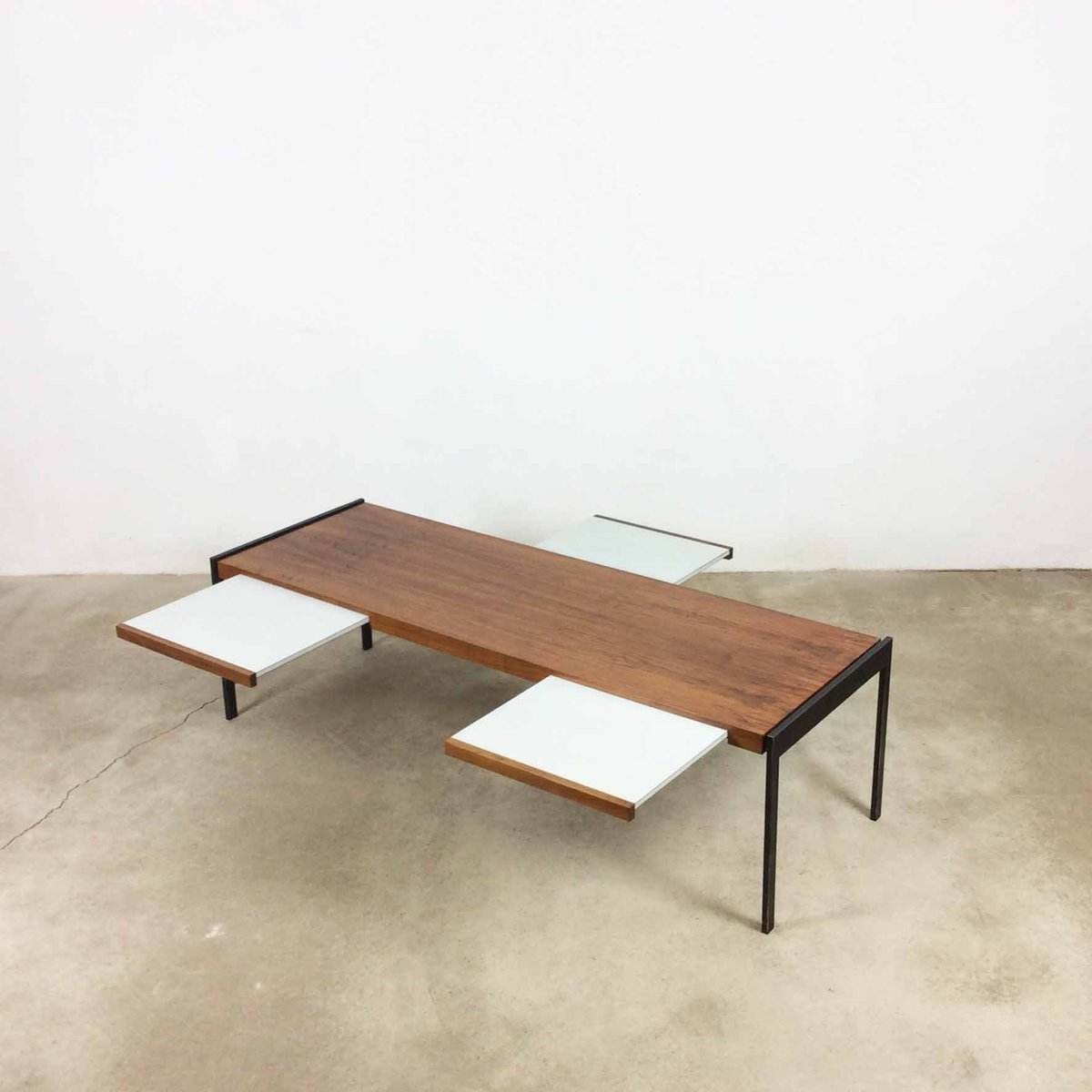 table basse en noyer par wilhelm renz 1960s en vente sur pamono. Black Bedroom Furniture Sets. Home Design Ideas