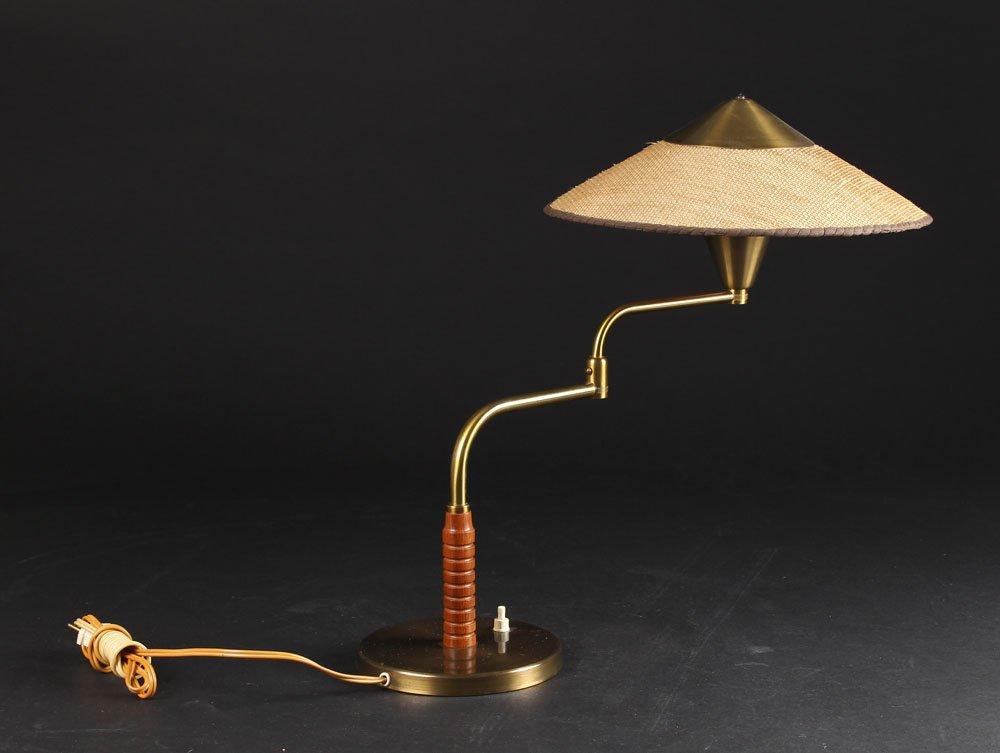Lampe de bureau scandinave pivotante de lyfa en vente sur - Lampe de bureau scandinave ...