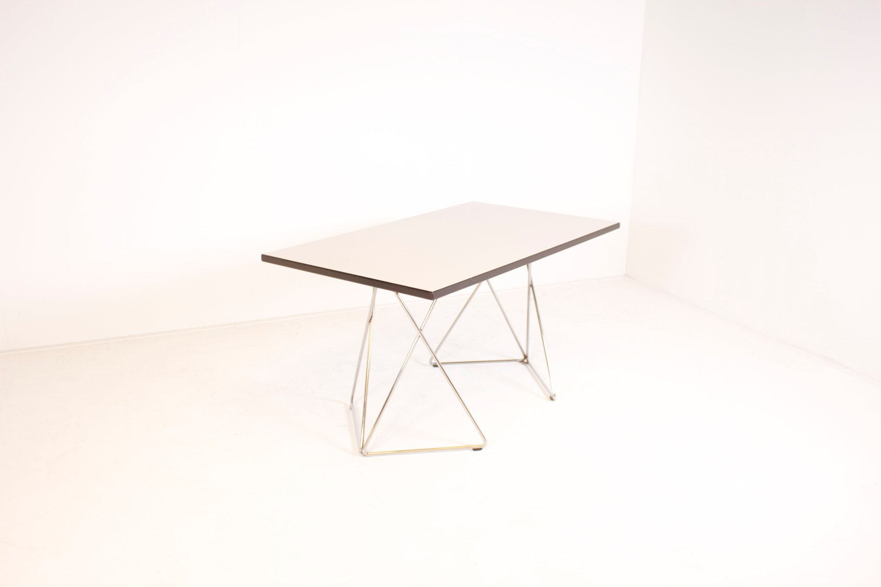 Table ou bureau graphique en formica et chrome de thonet autriche