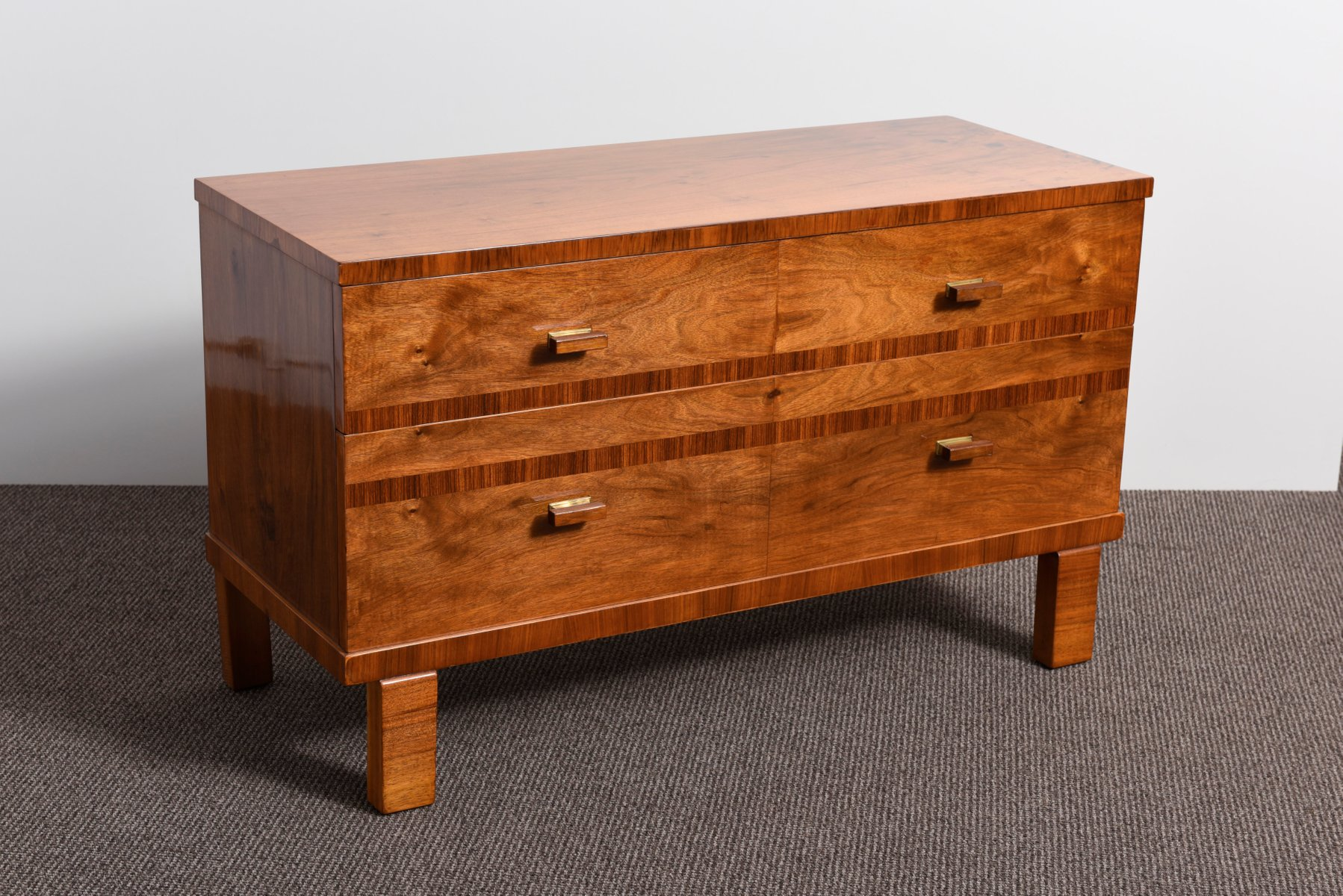 commode art d co en placage de noyer france 1935 en vente sur pamono. Black Bedroom Furniture Sets. Home Design Ideas