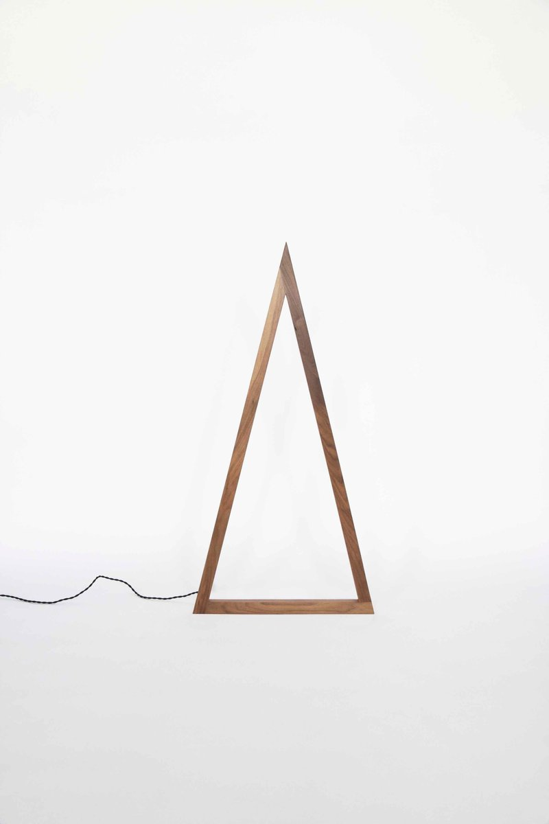 Tall Skinny Triangle Line Light von Noah Spencer für Fort Makers