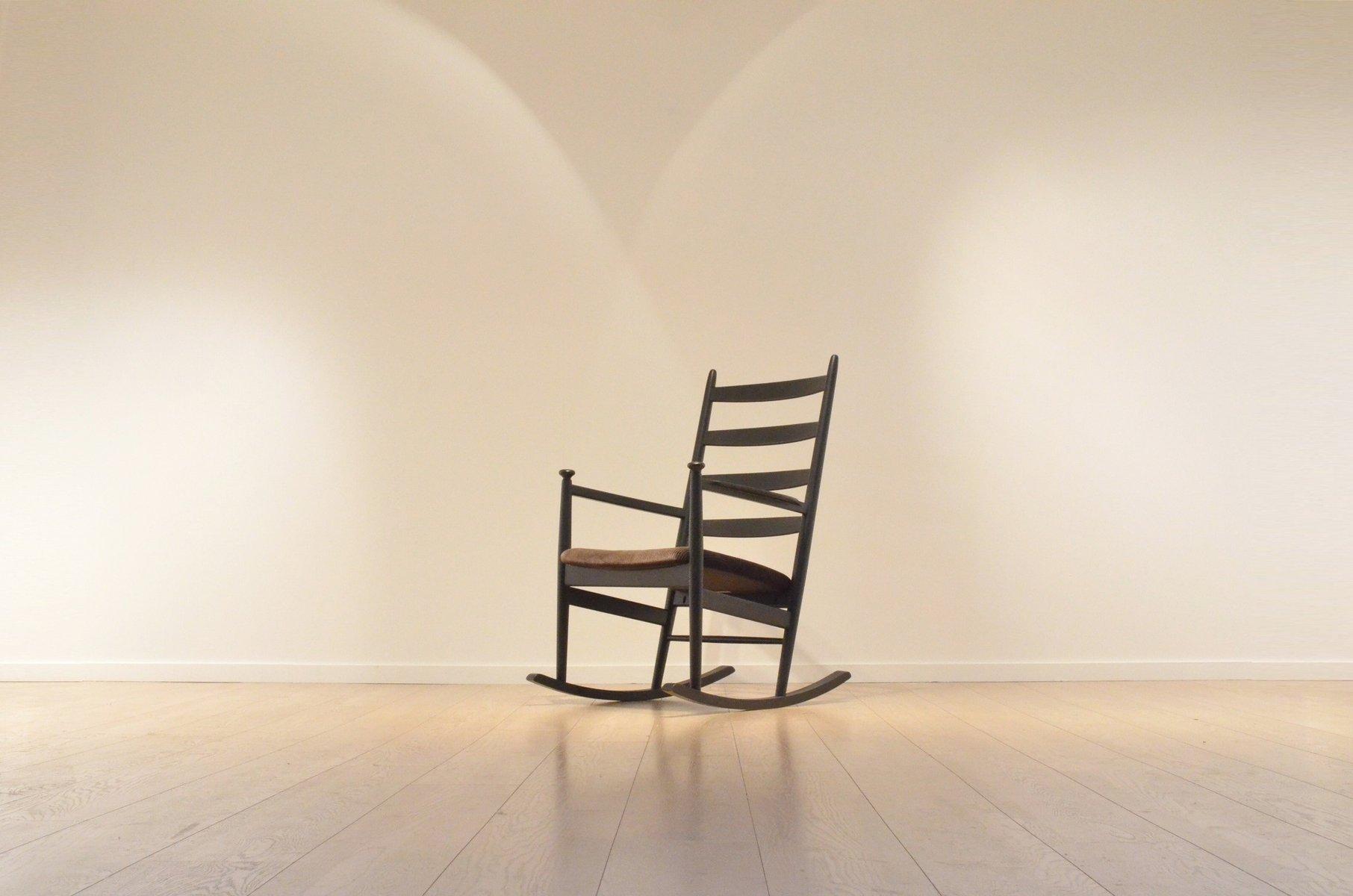 Sedia a dondolo Mid-Century in legno di Poul M. Volther per Gemla ...