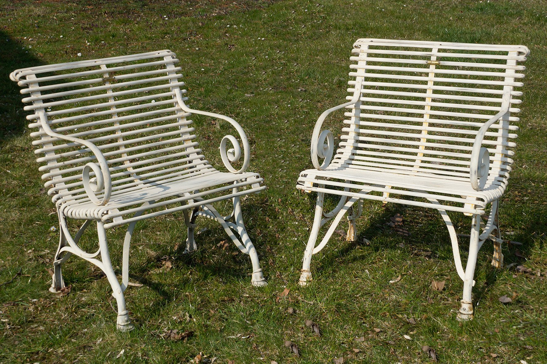 Sedie da giardino in ferro battuto con braccioli, Francia, inizio XX ...