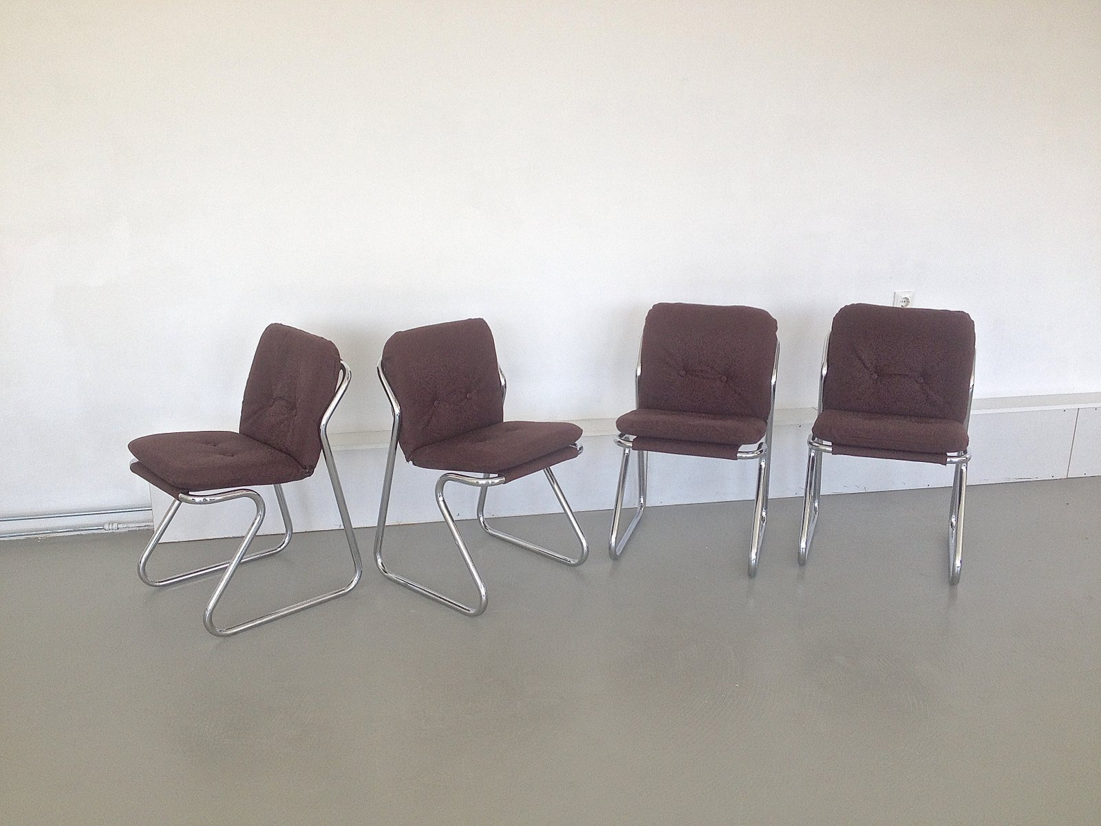 space age esszimmerst hle 1970er 4er set bei pamono kaufen. Black Bedroom Furniture Sets. Home Design Ideas