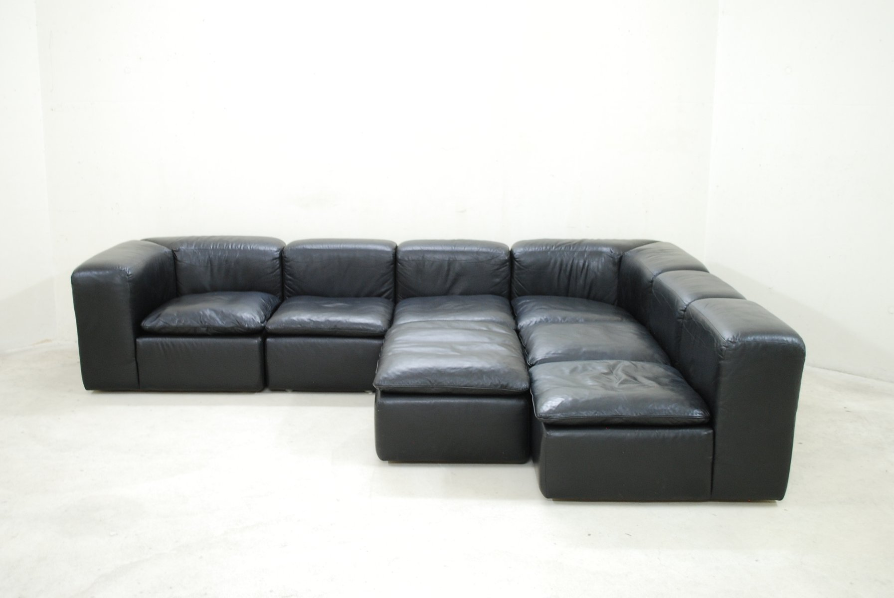 schwarzes modulares cube design wk 550 ledersofa von ernst martin dettinger f r wk m bel bei. Black Bedroom Furniture Sets. Home Design Ideas