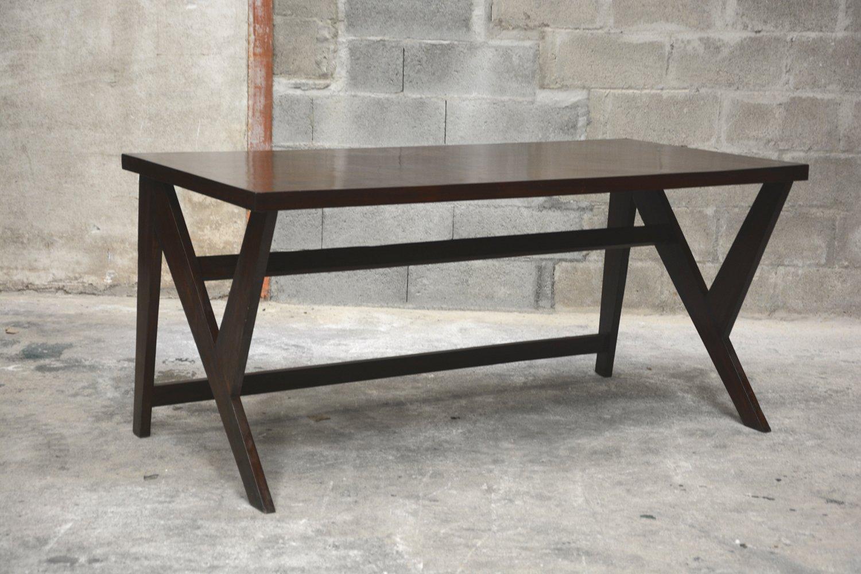 Mesa de conferencias de teca de pierre jeanneret 1963 en - Mesa de teca ...