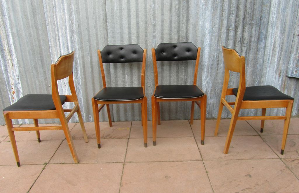 mid century black vinyl dining chairs set of 4 for sale at pamono. Black Bedroom Furniture Sets. Home Design Ideas