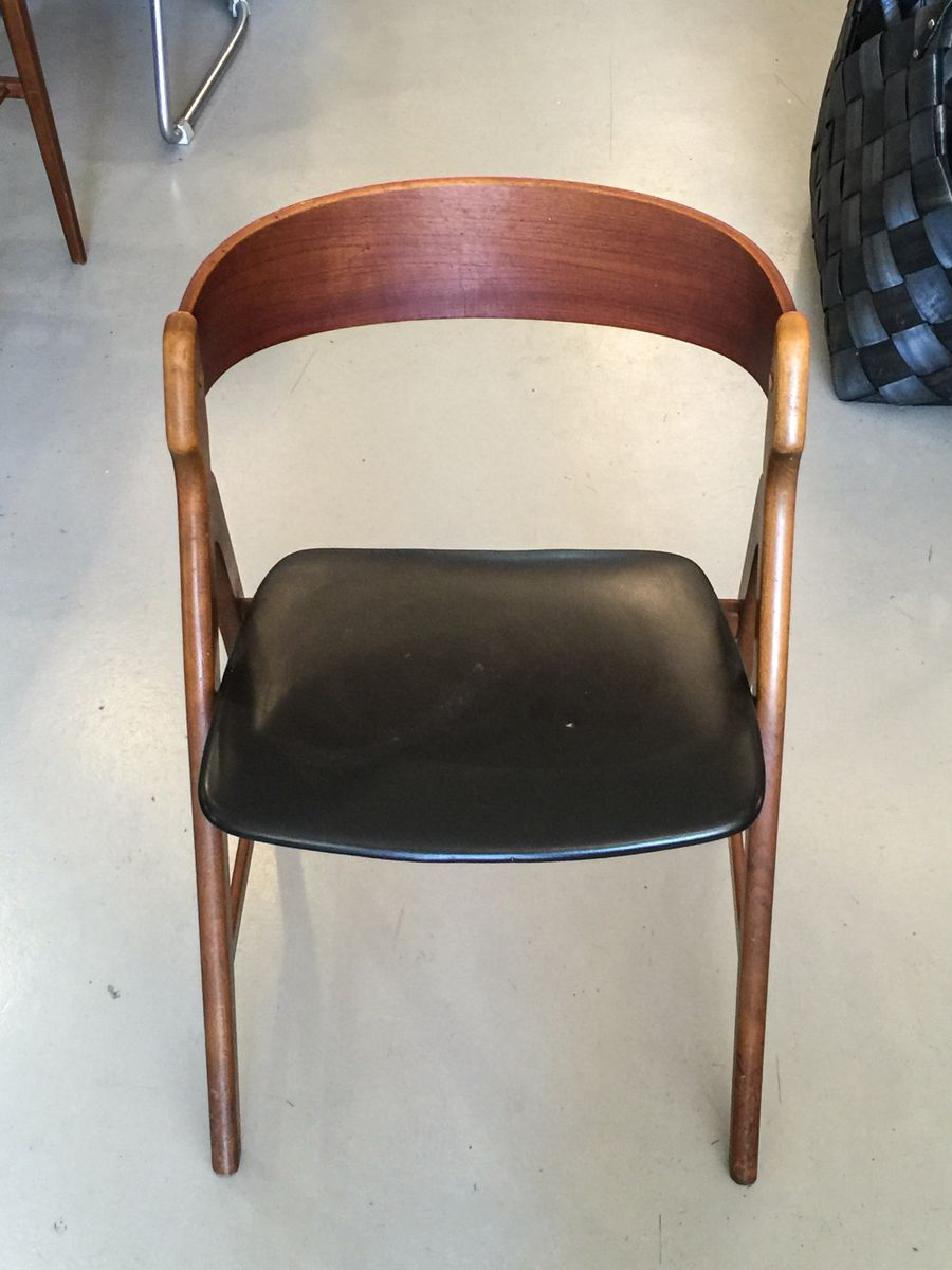 d nischer modell 71 stuhl aus teakholz von henning. Black Bedroom Furniture Sets. Home Design Ideas