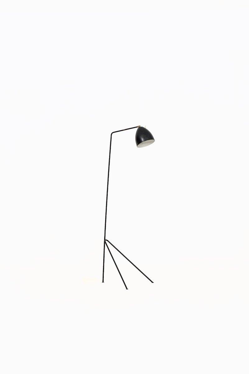 Skandinavische Stehlampe aus Messing & Schwarzem Metall