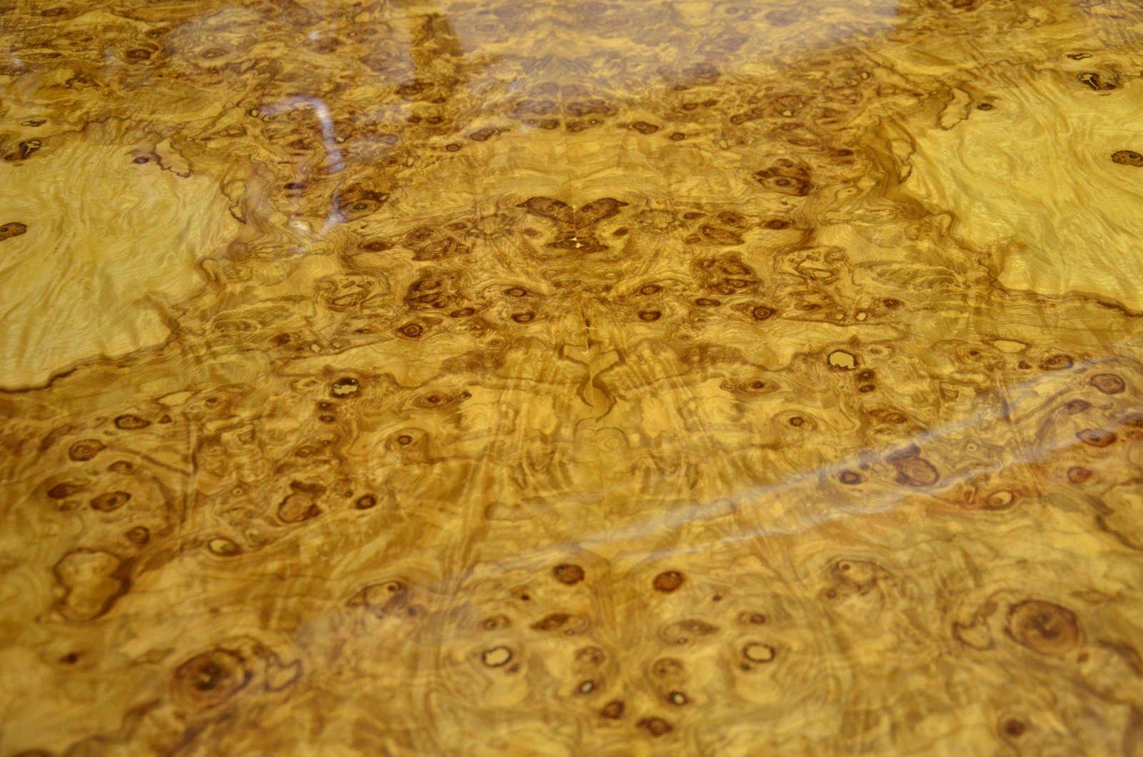 runder art deco tisch aus olivenholz wurzelholz 1920 bei pamono kaufen. Black Bedroom Furniture Sets. Home Design Ideas