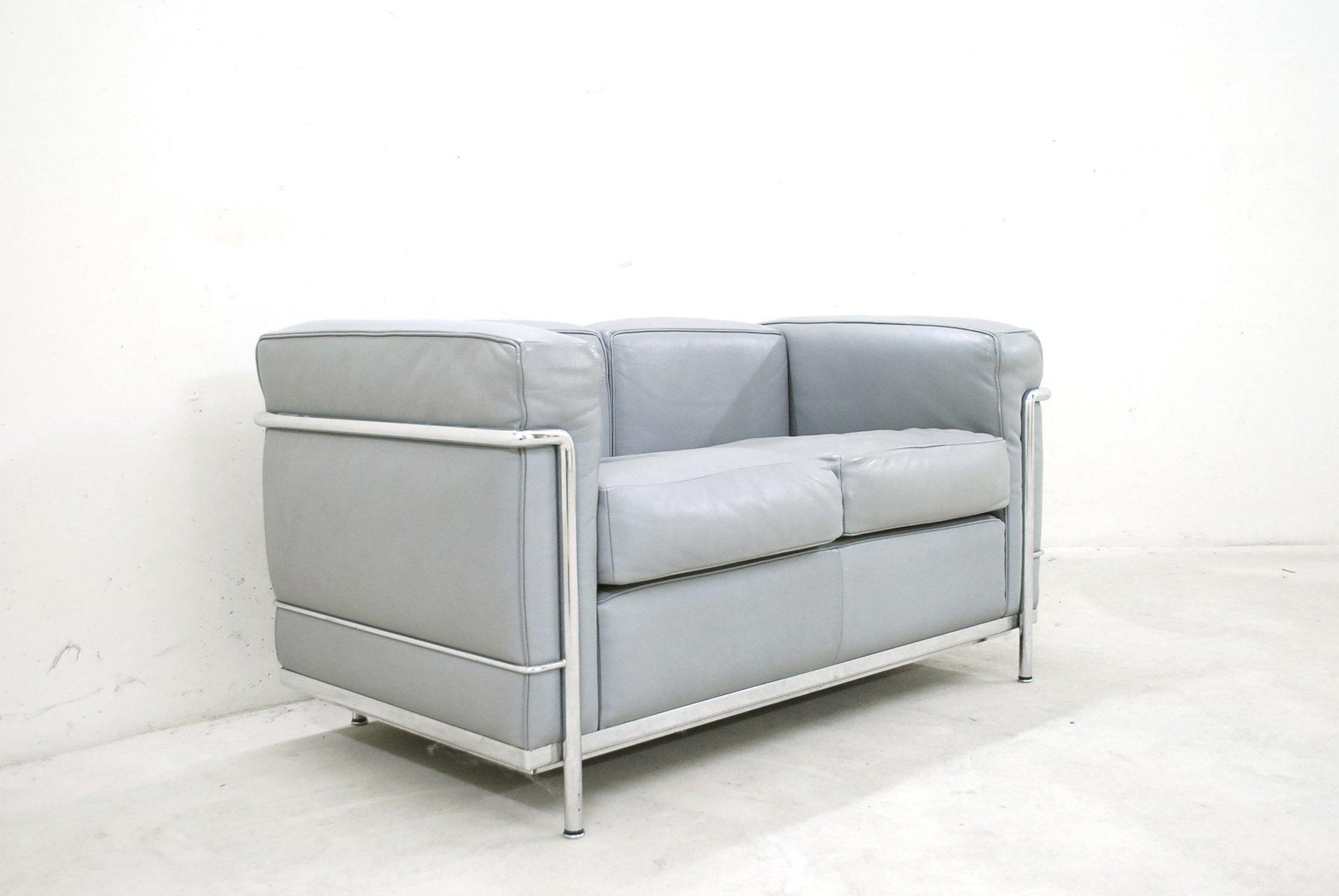 canap lc2 en cuir par le corbusier pour cassina 1985 en vente sur pamono. Black Bedroom Furniture Sets. Home Design Ideas