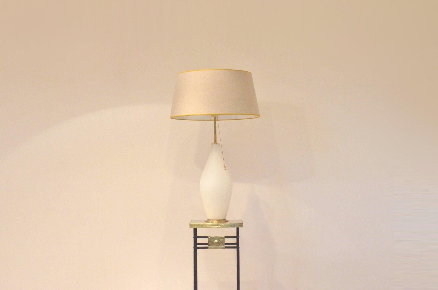 Große Vintage Tischlampe aus Opalisierendem Glas & Messing von Peill &...