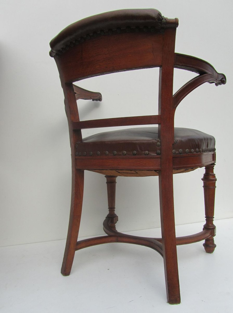 Furniture During Arts And Crafts Movement