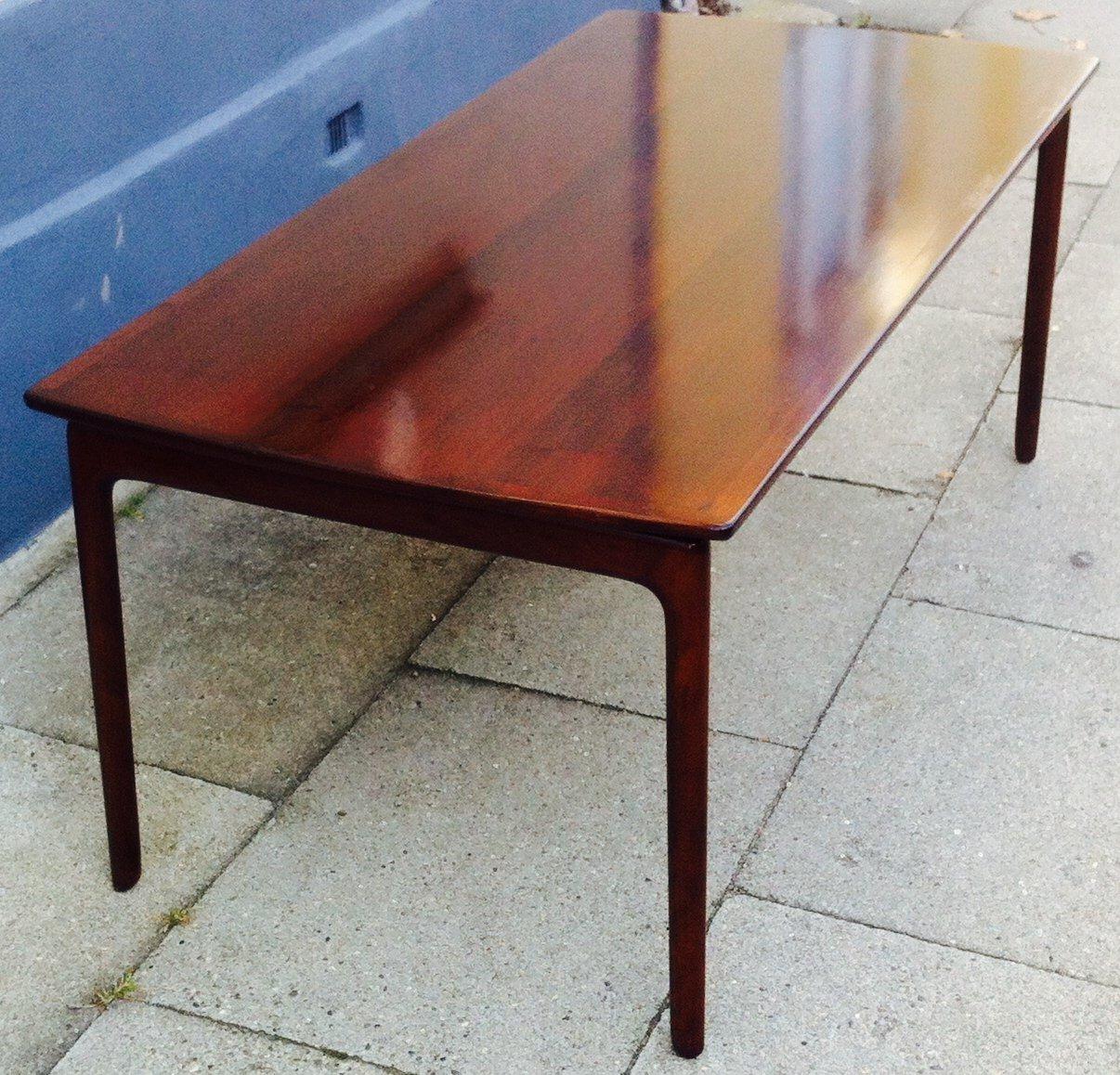 Dänischer Mahagoni Couchtisch mit Schwebender Tischplatte von Ole Wans...