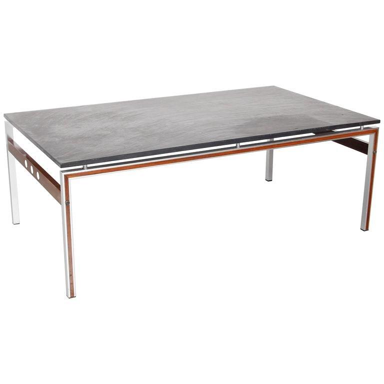 table basse avec plateau en pierre ardoise danemark 1960s. Black Bedroom Furniture Sets. Home Design Ideas