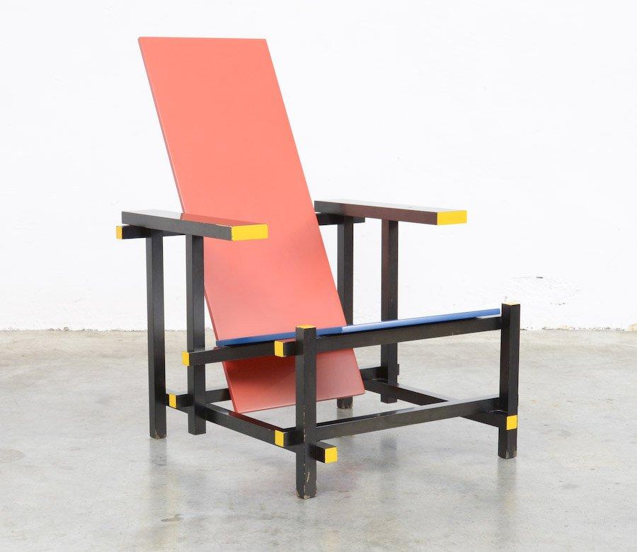 chaise rouge et bleue par gerrit rietveld pour cassina 1970s en vente sur pamono. Black Bedroom Furniture Sets. Home Design Ideas