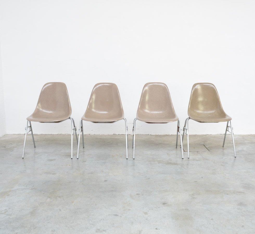 fiberglas stuhl von charles ray eames f r herman miller. Black Bedroom Furniture Sets. Home Design Ideas