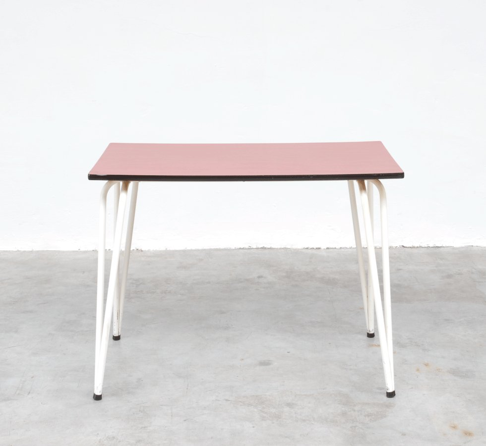 vintage red formica dining table for sale at pamono. Black Bedroom Furniture Sets. Home Design Ideas