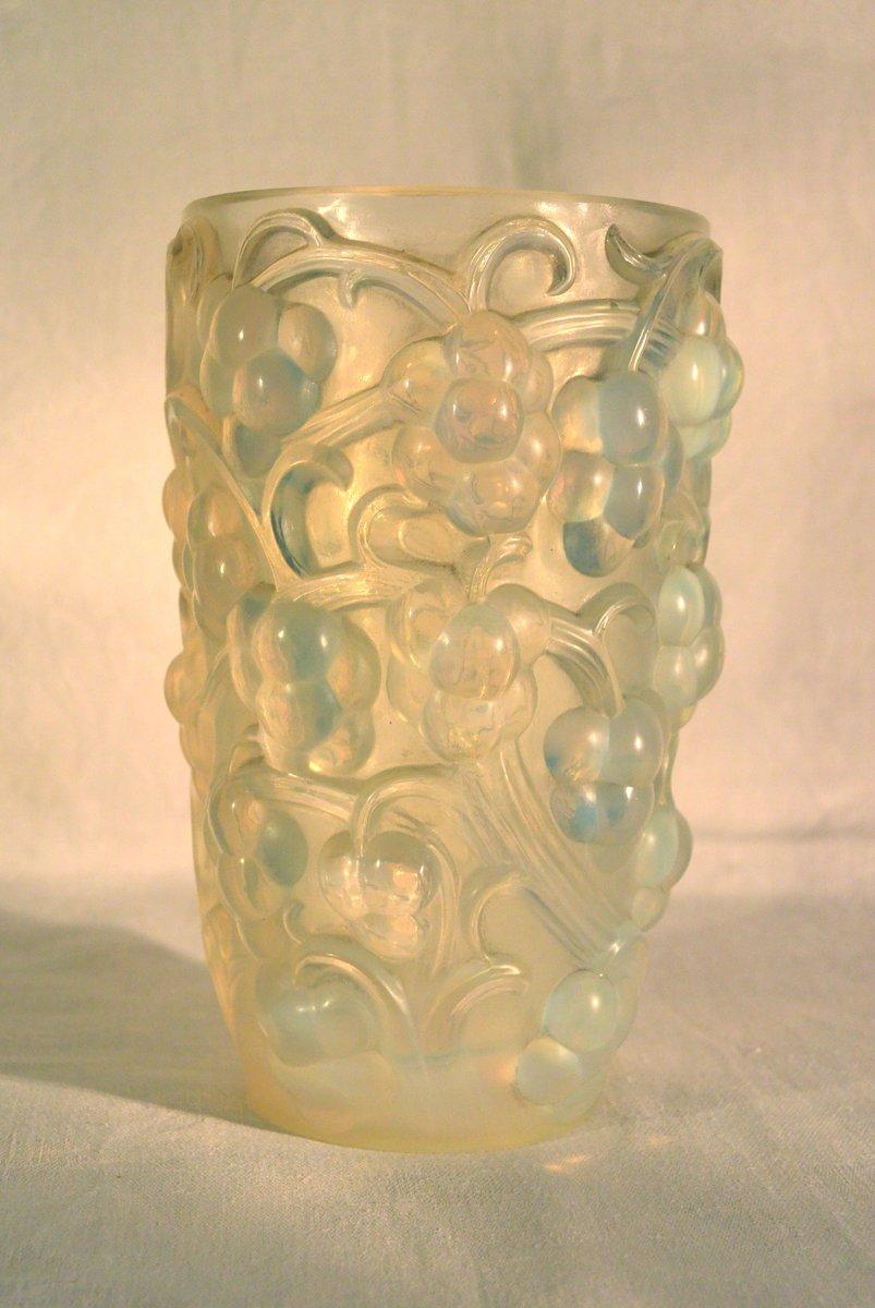 franz sische raisins vase von rene lalique 1925 bei pamono kaufen. Black Bedroom Furniture Sets. Home Design Ideas