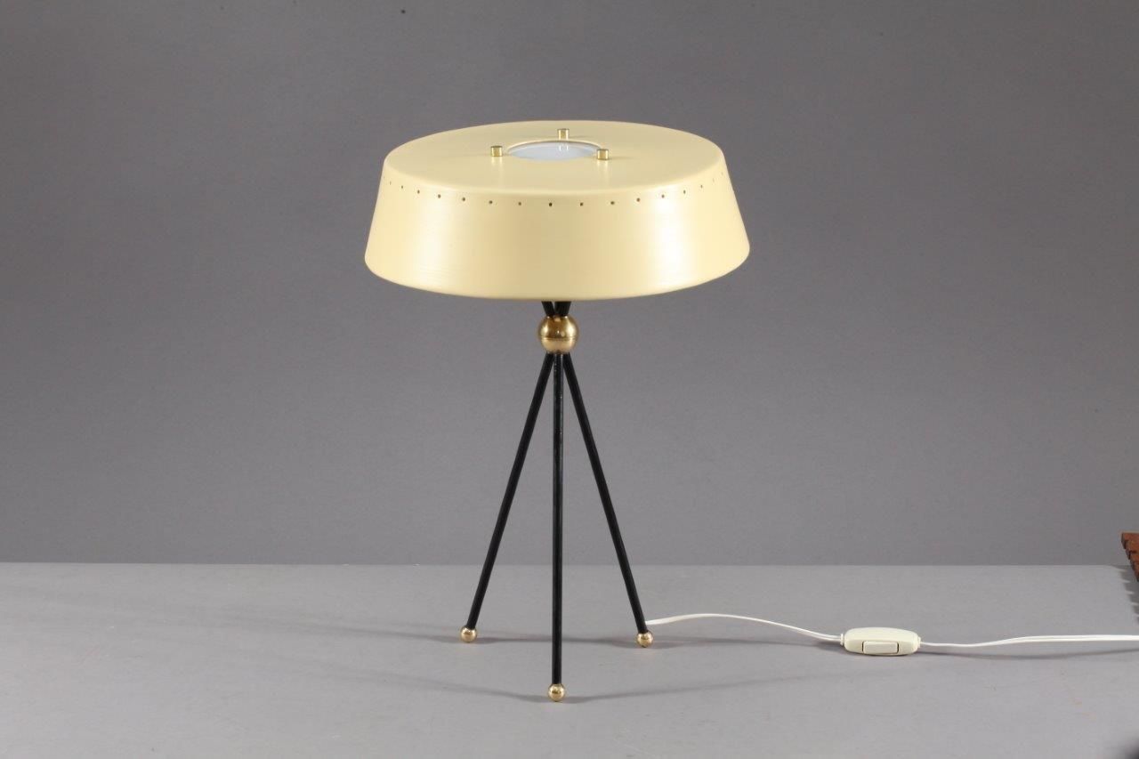 Elfenbeinfarbene Italienische Dreibein Tischlampe, 1950er