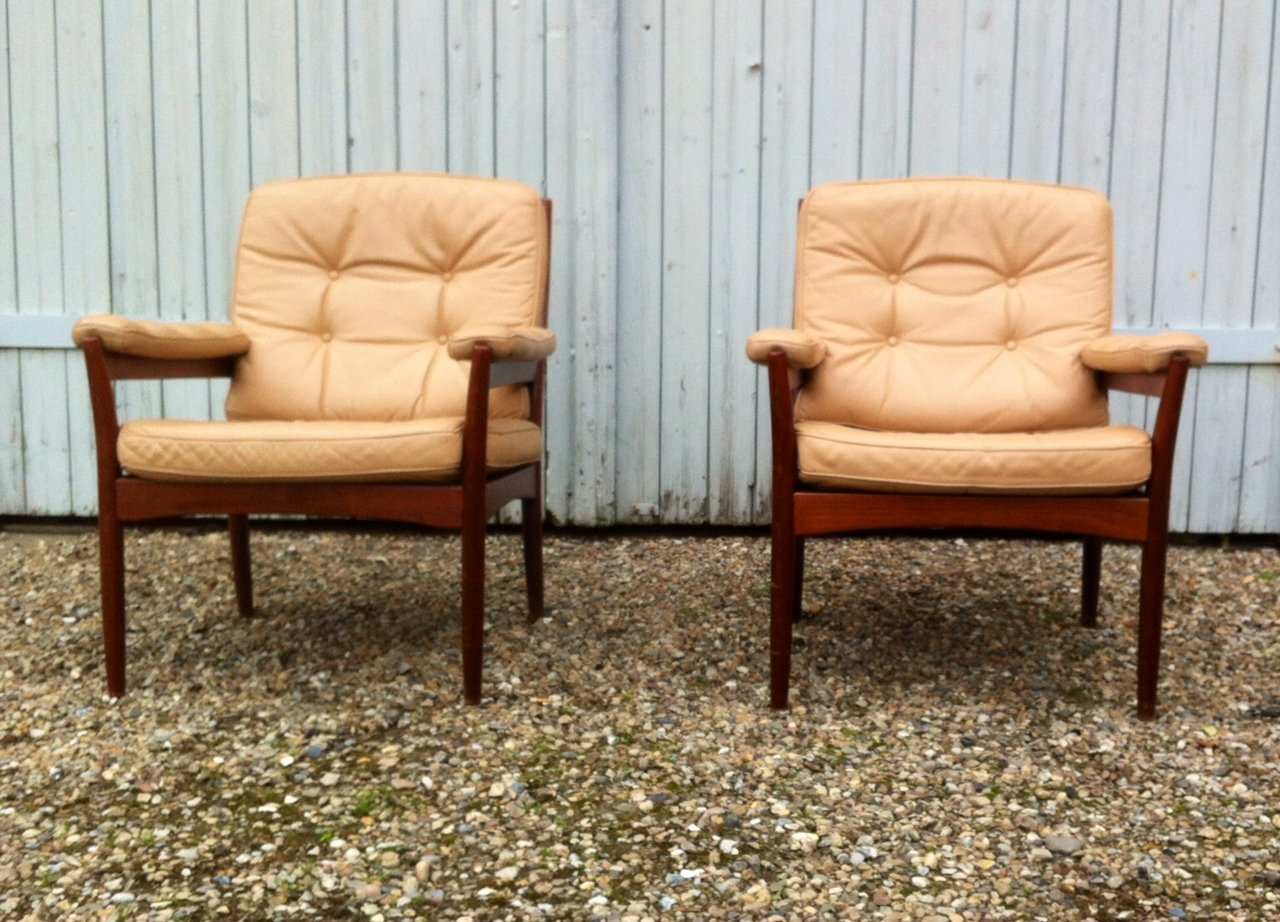 mid century leather lounge chairs from g m bel sweden 1970s set of 2 for sale at pamono. Black Bedroom Furniture Sets. Home Design Ideas