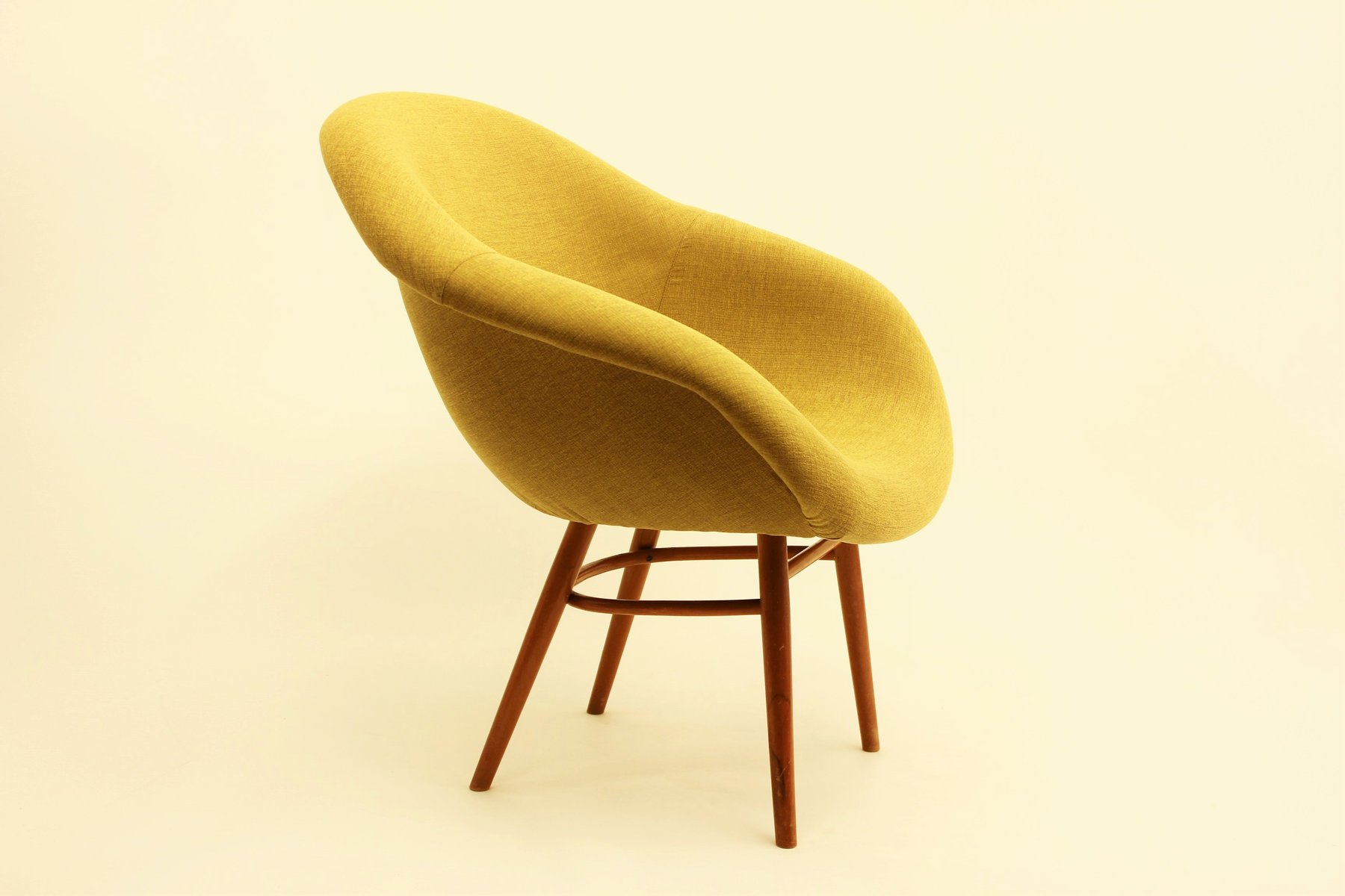 Sedia a conchiglia in fibra di vetro anni 60 in vendita su pamono
