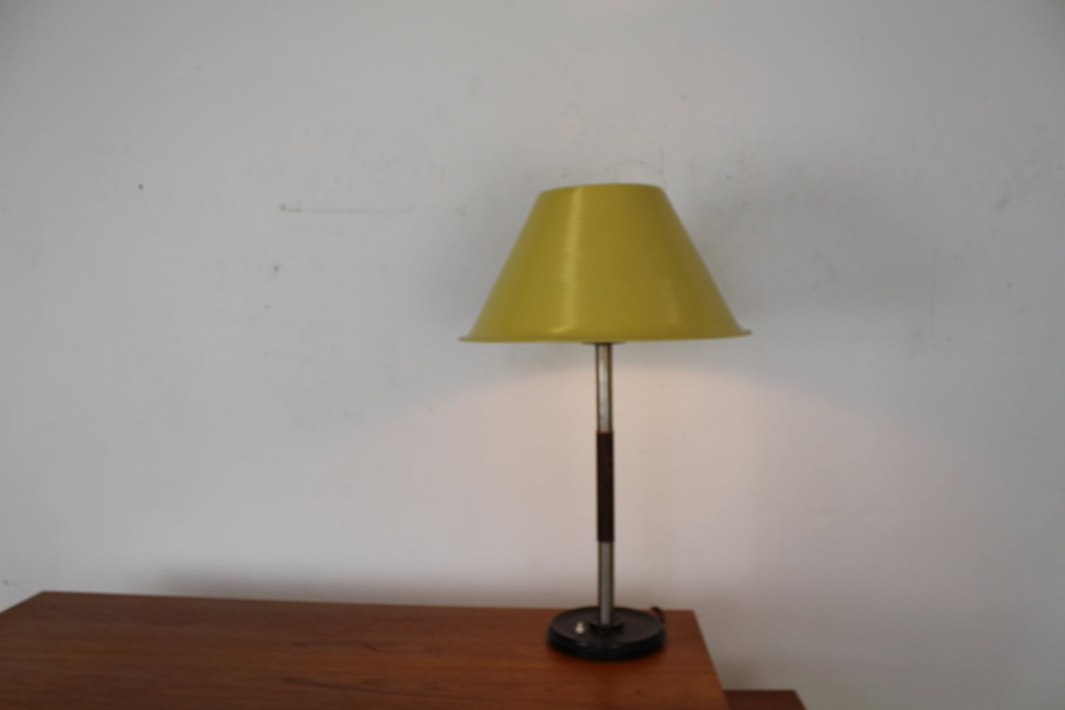 Modell 5020 Tischlampe von Gispen, 1965