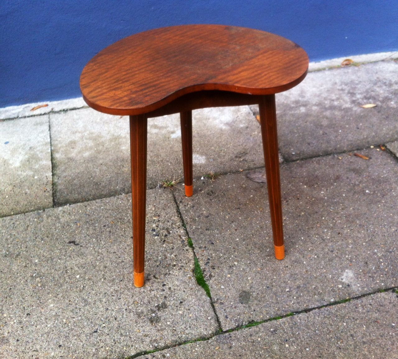 Danish Kidney Shaped Oak Side Table By Edmund Jorgensen, 1950s