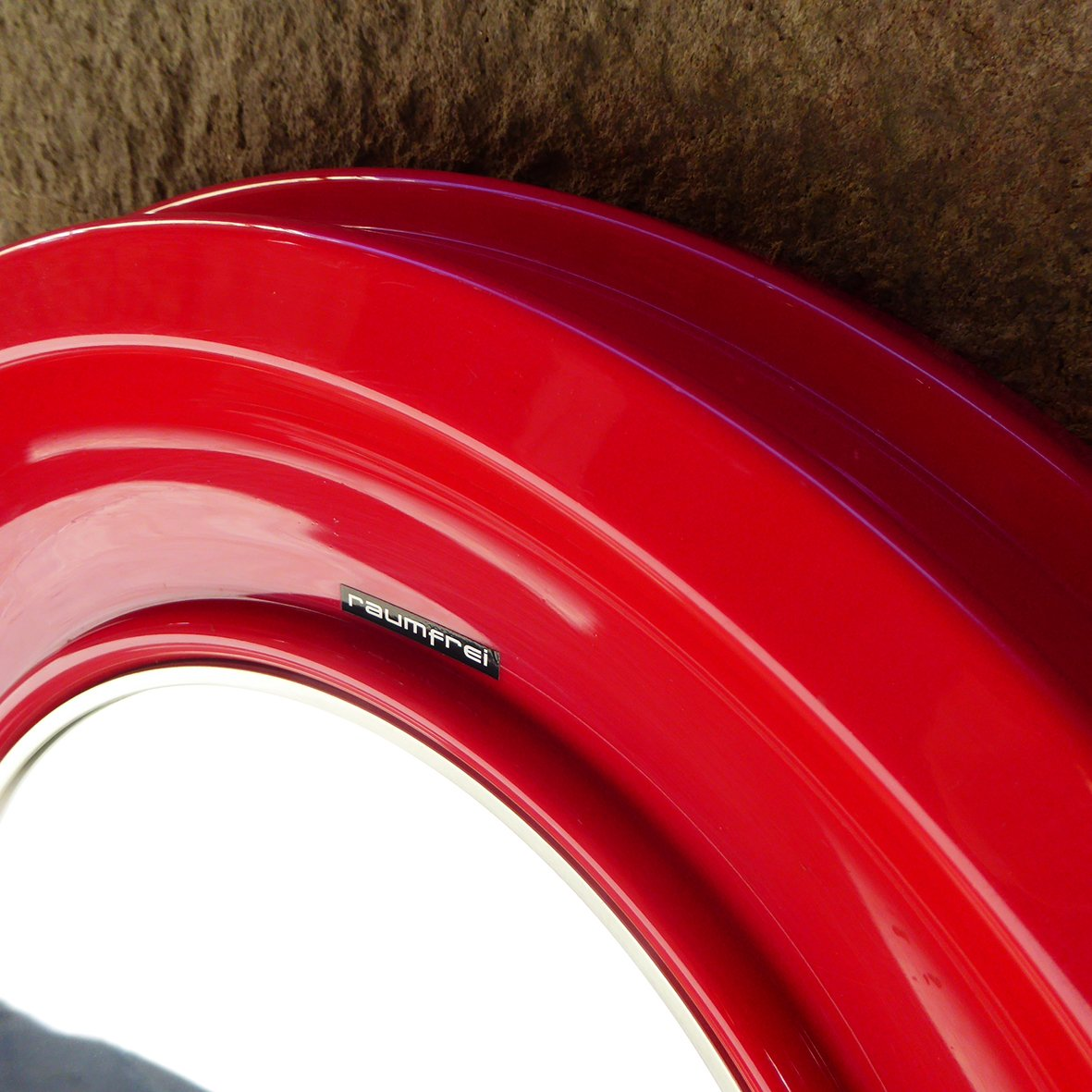 runder italienischer spiegel mit rotem rahmen von raumfrei 1960er bei pamono kaufen. Black Bedroom Furniture Sets. Home Design Ideas