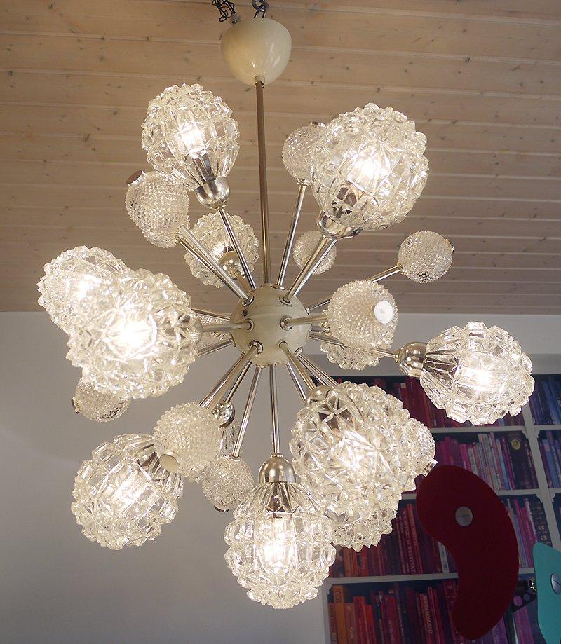 gro er sputnik glas kronleuchter mit zw lf leuchten von richard essig 1960er bei pamono kaufen. Black Bedroom Furniture Sets. Home Design Ideas