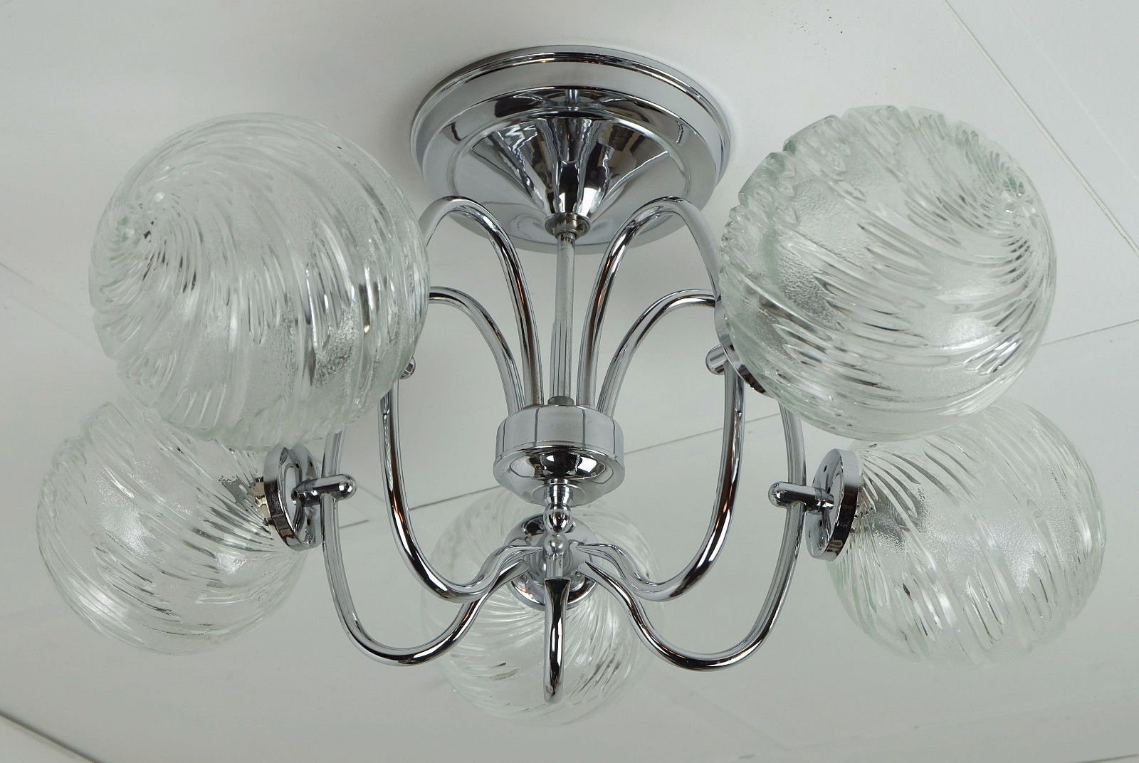 Sputnik Kronleuchter aus Verchromten Metall & Glas mit Fünf Leuchten v...