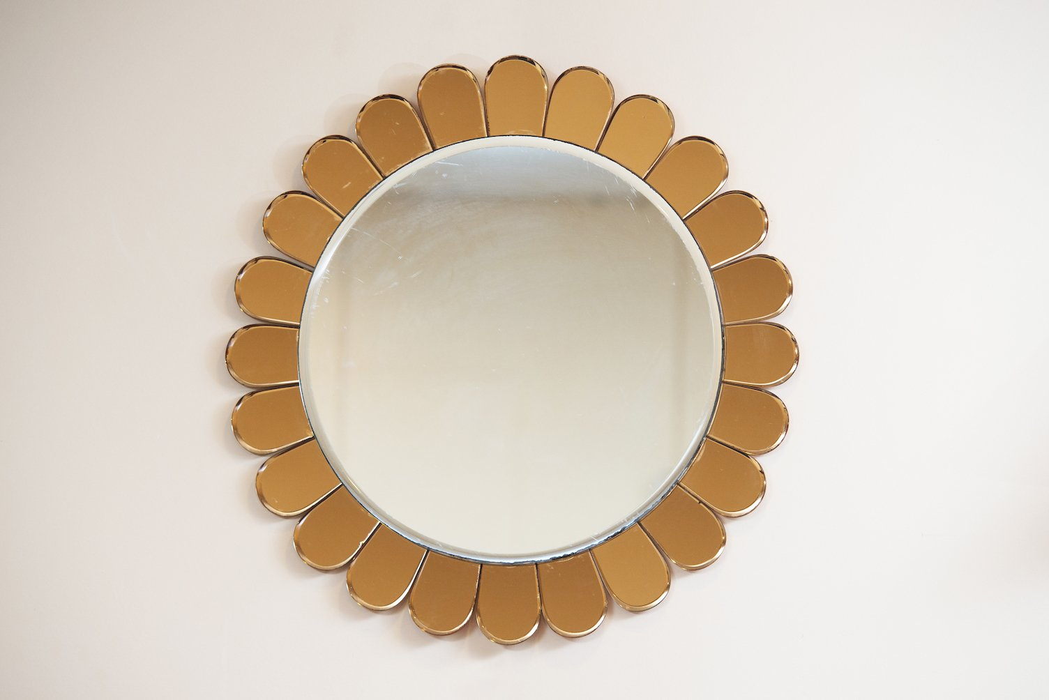 miroir mural de cristal art italie 1950s en vente sur pamono. Black Bedroom Furniture Sets. Home Design Ideas
